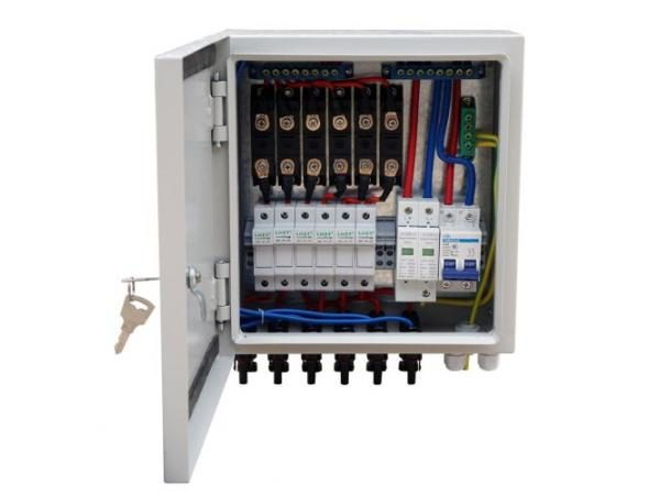 Solar Combiner Box With Circuit Breakers